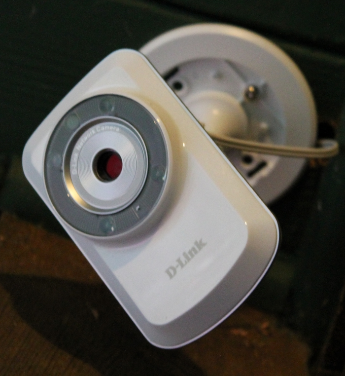 holiday gift guide d link day night network camera. Black Bedroom Furniture Sets. Home Design Ideas